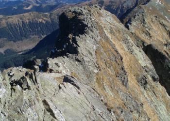 Jedno z nejnebezpečnějších míst v Západních Tatrách - ostrý hřeben vedoucí k vrcholu Baníkova.