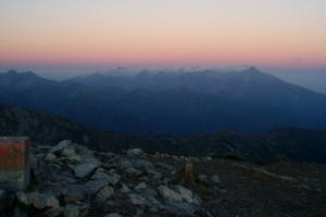 Vysoké Tatry z Bystrej těsně po západu slunce