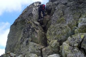 Jedno z mnoha obtížnějších míst při přechodu Trech kop.